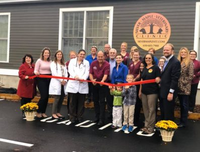 Silver Maple Veterinary Clinic Ribbon Cutting